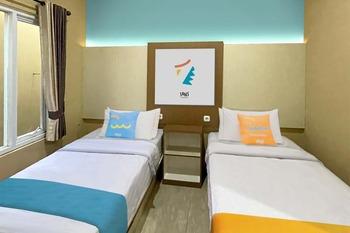 Sans Hotel Budaya Cirebon Cirebon - Superior Twin Room KETUPAT