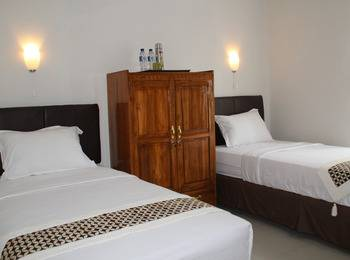Natura Rumah Singgah Purwokerto - Twin Bed Regular Plan