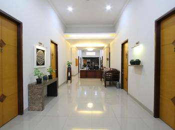 Natura Rumah Singgah Purwokerto - Triple Bed Regular Plan