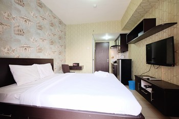 Minimalist Studio Room at Serpong Greenview By Travelio Tangerang Selatan - Studio 10%