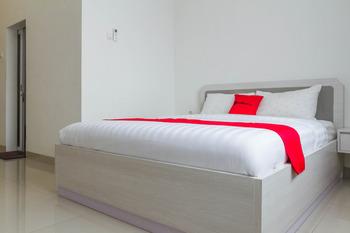 RedDoorz Plus near Jatinangor Town Square 2 Sumedang - RedDoorz Room Regular Plan