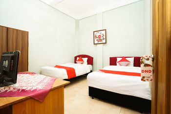 OYO 475 Kartika Syariah Homestay Surabaya - Standard Twin Room Regular Plan