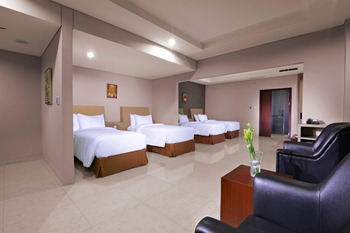 Aston Imperial Bekasi Hotel Bekasi - Family Room Regular Plan