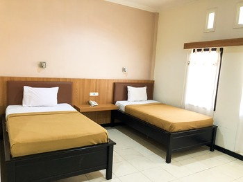 Hotel Livero Timor Tengah Utara - Deluxe Twin Room Regular Plan