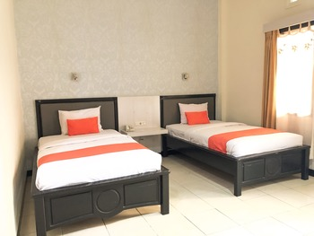 Hotel Livero Timor Tengah Utara - Execuitve Twin Room Regular Plan