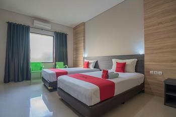 RedDoorz Premium @ Fafa Hills Resort Puncak Bogor - RedDoorz Premium Twin Room Regular Plan