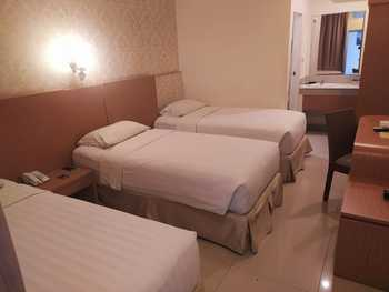 Ramayana Hotel Makassar - Superior Triple with Breakfast Special Deals
