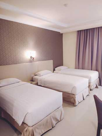 Ramayana Hotel Makassar - Deluxe Triple Room Only Special Deals