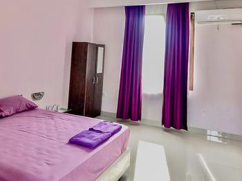 Tiara Guest House by RedDoorz Samarinda - Standard Room AP 1