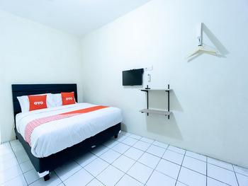 OYO 591 Mn Residence Near RS Mediros Jakarta - Standard Double Room Regular Plan