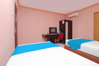 Airy Soreang Manungke 121 Parepare Pare Pare - Superior Twin Room with Breakfast Special Promo Jan 5