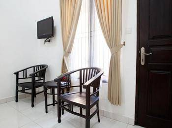 Seminyak Point Guest House Bali - Standard Room Only Regular Plan
