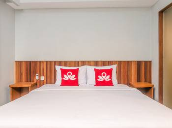 ZenRooms Raya Kuta Joger - Double Room (Room Only) Regular Plan