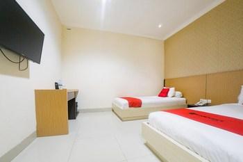 RedDoorz @ Boulevard Panakkukang Mas Makassar - RedDoorz Deluxe Twin Room Regular Plan