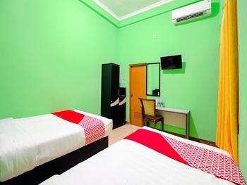 OYO 1593 Pondok Garini Syariah Yogyakarta - Deluxe Twin Room Regular Plan