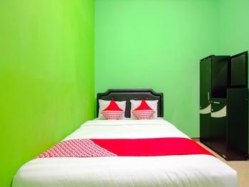 OYO 1593 Pondok Garini Syariah Yogyakarta - Saver Double Room Regular Plan