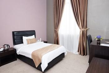 Grand Kanaya Hotel Medan - Deluxe Room Only FC Special Deal