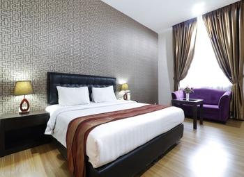 Grand Kanaya Hotel Medan - Deluxe Room Breakfast FC Special Deal