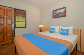 Airy Borobudur Mayor Kusen KM 2.4 Magelang Magelang - Superior Double Room with Breakfast Special Promo Oct 50