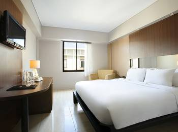 Hotel Santika Kuta Bali - Deluxe Room King Regular Plan