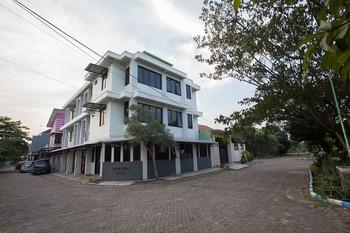 RedDoorz Syariah near DBL Arena 2 Surabaya - RedDoorz Twin Room with Breakfast Regular Plan