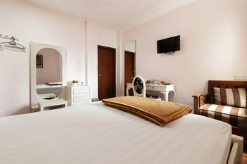 Jayagiri Guesthouse Bandung - Deluxe 2nd Floor Room Only NR Min 2N stay 40%