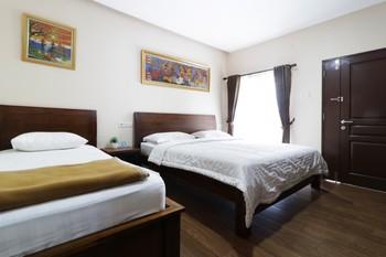 Jayagiri Guesthouse Bandung - Suite 1st Floor Triple Room Only NR Min 2N stay 40%
