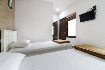Jayagiri Guesthouse Bandung - Superior 1st Floor Room Only NR Min 2N stay 40%