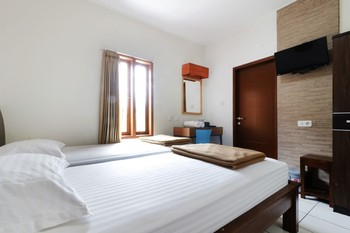 Jayagiri Guesthouse Lembang - Superior 2nd Floor Double or Twin Room Only FC Regular Plan