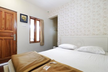 Jayagiri Guesthouse Bandung - Superior 2nd Floor With View Room Only NR Min 2N stay 40%