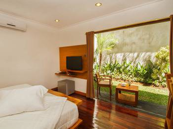 Delu Villas and Suite Bali - Seminyak Room - With Breakfast Basic deal 20