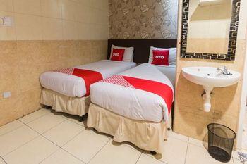 OYO 1702 Harmoni Inn Makassar Makassar - Standard Twin Room Regular Plan