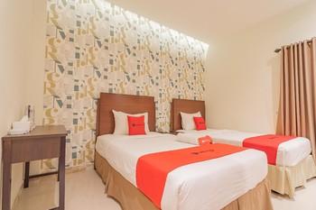 RedDoorz Plus @ Siradj Salman Samarinda Samarinda - RedDoorz Twin Room BASIC DEALS