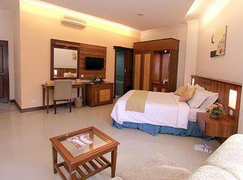 Karang Sentra Hotel Bandung - Deluxe Room Only Regular Plan