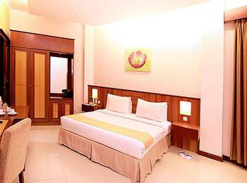 Karang Sentra Hotel Bandung - Deluxe Room With Breakfast Regular Plan