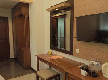 Karang Sentra Hotel Bandung - Standard Room Only Regular Plan