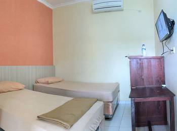 Padi Hotel Purwodadi Grobogan - Standard Twin Room Regular Plan