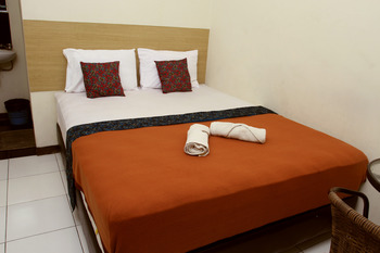 Bantal Guling Alun Alun Bandung - Double Superior AC 20% For Stay 5 Nights