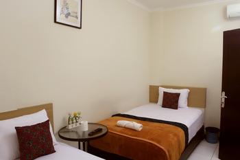 Bantal Guling Alun Alun Bandung - Family Room 3 Pax 20% For Stay 5 Nights