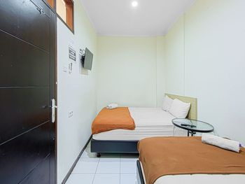 Bantal Guling Alun Alun Bandung - Family Room Non Refundable Min. Stay 2 Nights