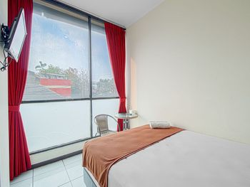 Bantal Guling Alun Alun Bandung - Standard Double Room Non Refundable Min. Stay 2 Nights