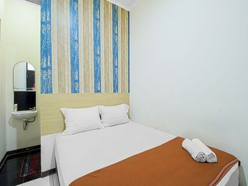 Bantal Guling Alun Alun Bandung - Superior Double Room Non Refundable Min. Stay 2 Nights