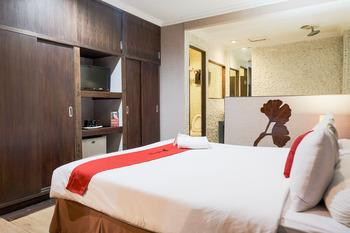 RedDoorz near WaterBoom Lippo Cikarang Bekasi - RedDoorz Room Basic Deal