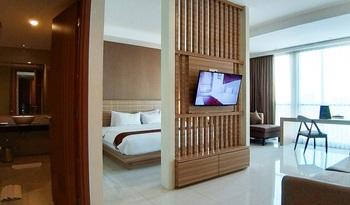 Swiss-Belinn Gajah Mada Medan Medan - Suite Room Staycation