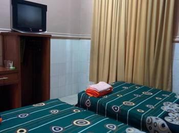 Penginapan Al-Hambra Pasuruan - Standard Room AC and Hot Water Regular Plan