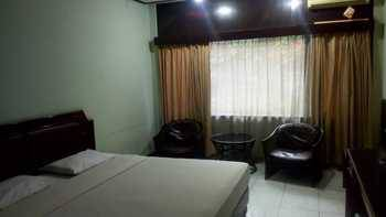 Hotel Istana Bandung Bandung - Deluxe Double Room Only Book early and save 15%
