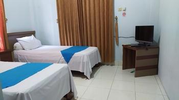 OYO 3757 Mahkota Syariah Guesthouse Banjarmasin - Deluxe Twin Room Early Bird Deal