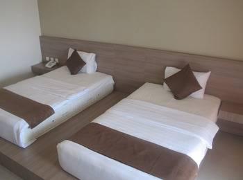 Surya Kencana Seaside Hotel Pangandaran - Deluxe Room Regular Plan