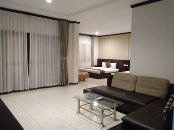 Surya Kencana Seaside Hotel Pangandaran - Kamar Suite Regular Plan