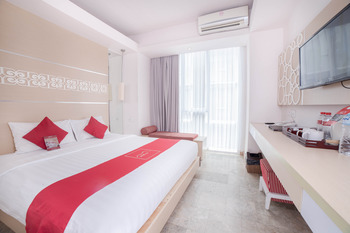 The Alea Hotel Seminyak - Deluxe Pool View For 3 Person Room Only Basic Promo
